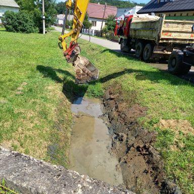 Čistenie potoka a rigolov